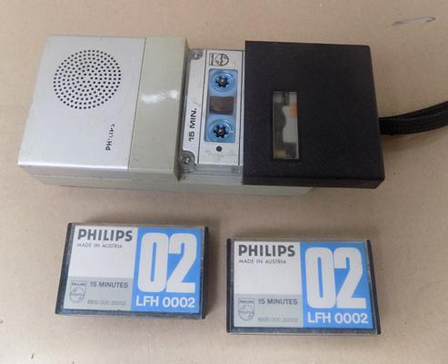 Vintage Philips dictaphone + cases