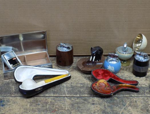 Collection of vintage smoking items, incl. cased lighters & pipes