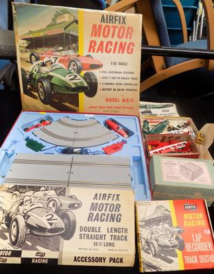 Airfix motor racing games & accessories complete - W/O