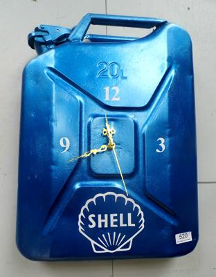 Upcycled jerry can - Shell design clock