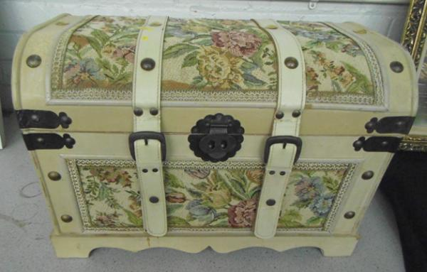 Large decorative storage chest approx 21x15 inches