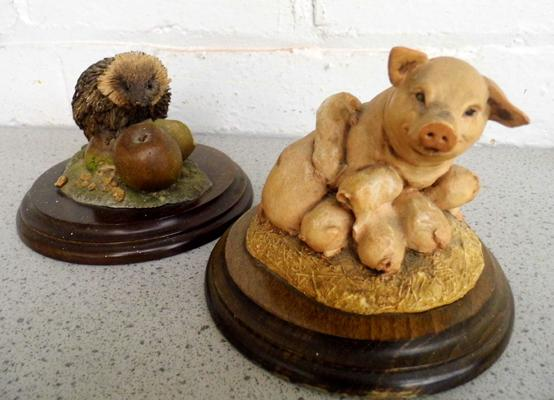 2 Country artists models 'Sow & Piglets' & 'Hedgehog' by Richard Cooper-no damage