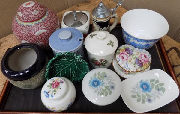 Tray of ceramics, incl. Wedgwood, Hornsea, Mid-Winter