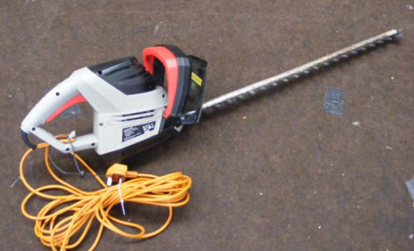 Spear & Jackson hedge trimmer w/o