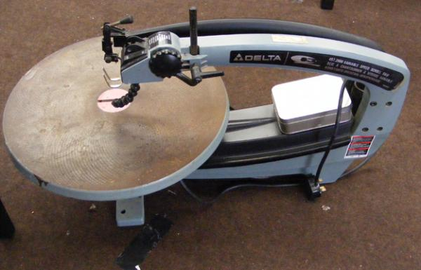 18 inch, variable speed, Delta scroll saw