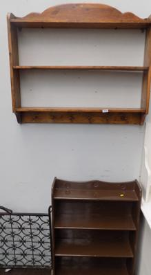 Wall shelf + 1 other