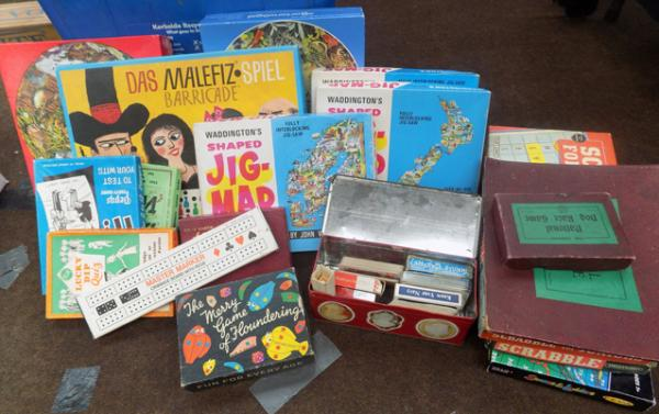 Large selection of vintage games
