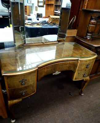Vintage 1940's/50's dressing table
