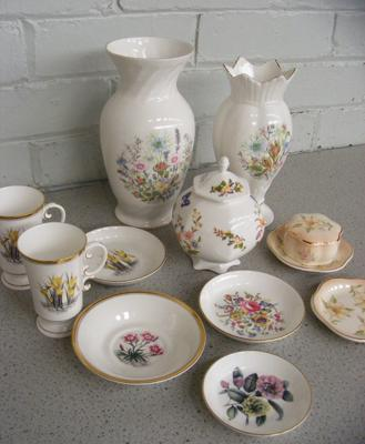 Assortment of named pottery inc Royal Worcester & Aynsley