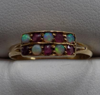 18ct Gold antique ruby & opal ring size M