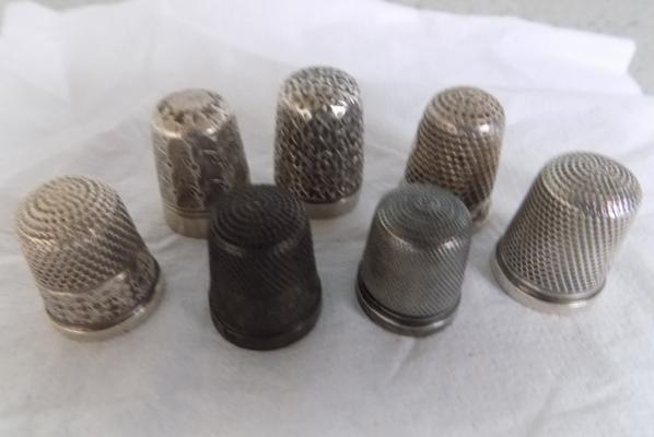7x Silver thimbles inc Charles Horner