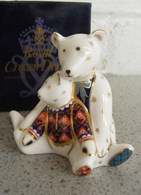 Royal Crown Derby Charlotte & mummy bear paperweight-no stopper