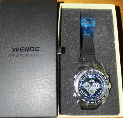 Weide sports watch, blue number face