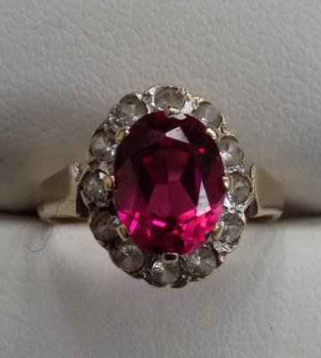 9ct Gold ruby & diamond ring size J 1/2