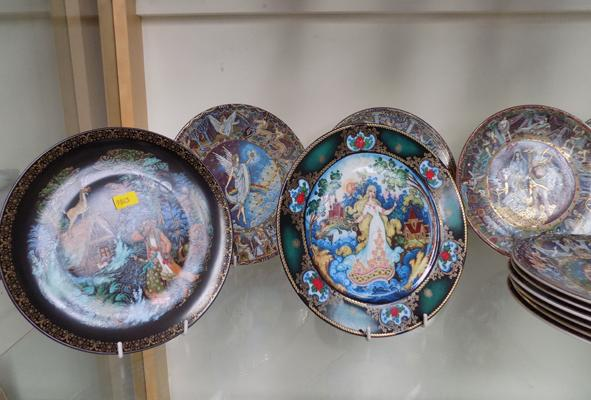 12 Royal Worcester - Legends of Ancient Greece + 4 Russian Seasons Plates