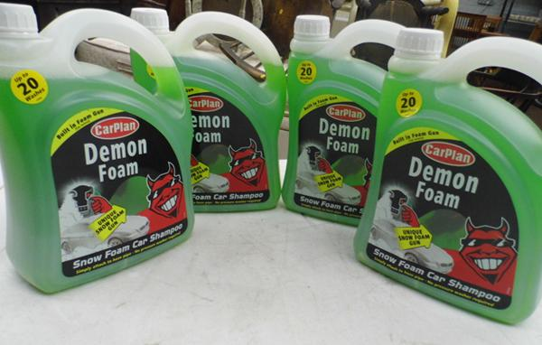 4 bottles of Demon Foam with hose adapter