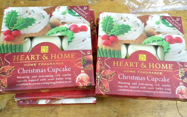 10 x Heart & Home candle sets - Christmas Cupcake