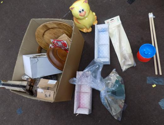 Mixed box of collectables & some toys