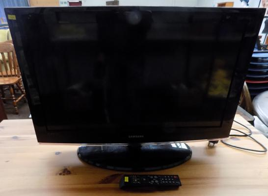 Samsung 32 inch flatscreen TV with remote (in office) w/o