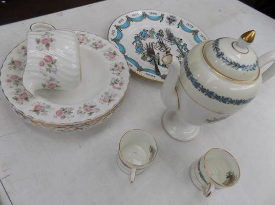 Box of ceramics incl. Minton and Wedgwood