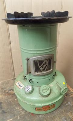 1950's Velor 65-S tinplate paraffin heater