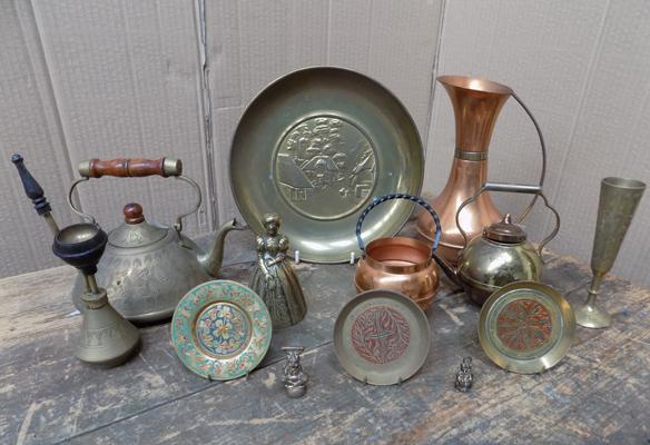Selection of brass collectables