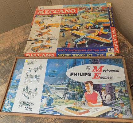 Vintage Philips engineer construction set, ME 1200 + boxed Meccano airport set