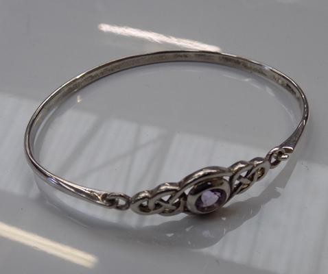 Silver bangle set with Amethyst