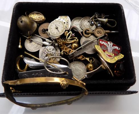 Small box of coins and jewellery