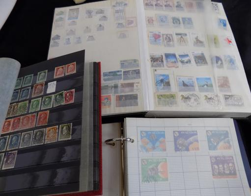 3x Stamp albums