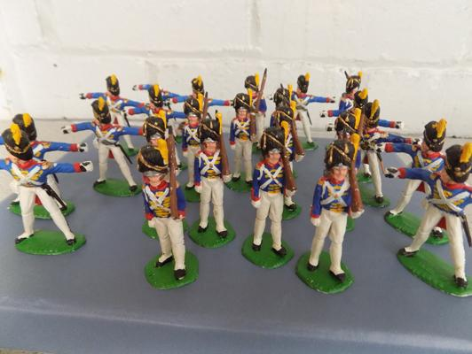 Hand painted 1815 French infantry set - 24 pieces