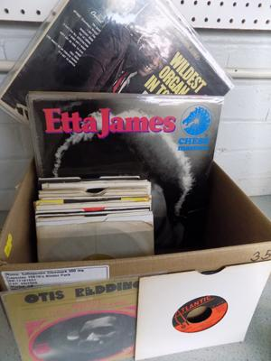 Approx. 80 soul, funk, disco, R&B, Motown, dance and hip hop records