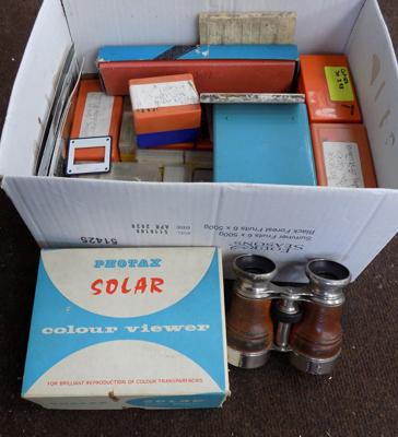Box of slides and viewers incl. binoculars
