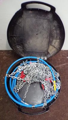 Set of snow chains in carry case