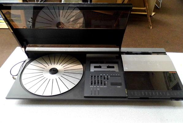 Bang & Olufsen Beocenter 2200 records player (no needle) tuner & tape deck