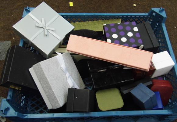 Selection of empty jewellery cases & boxes