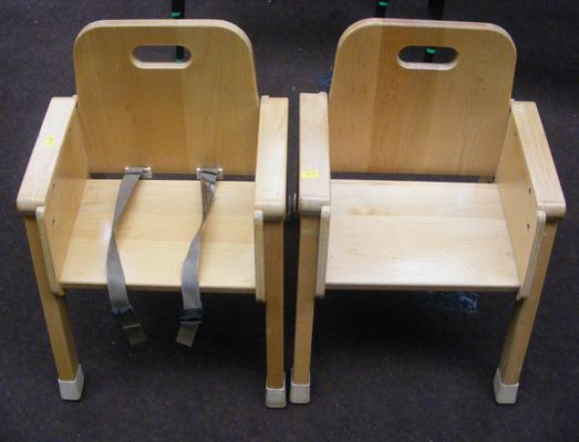 2x Community American child's chairs