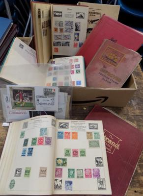 10x Old stamp albums and packet of stamp material