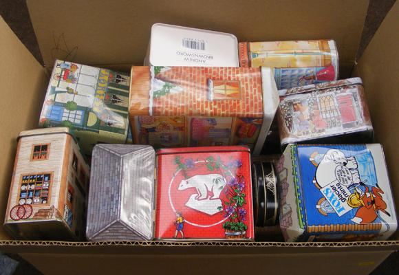 Box of mixed collectable tins