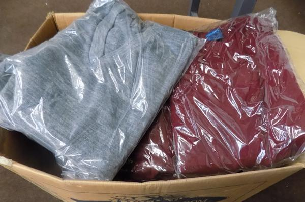 Box of 40 new acrylic jumpers (various colours/sizes)