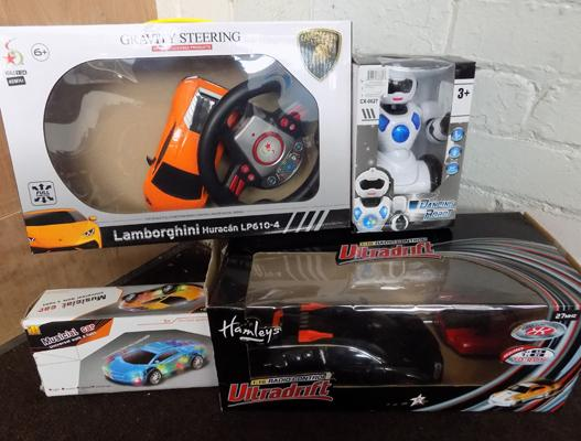 3x Remote control cars & dancing robot w/o