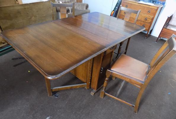 Retro dining table & 3 chairs