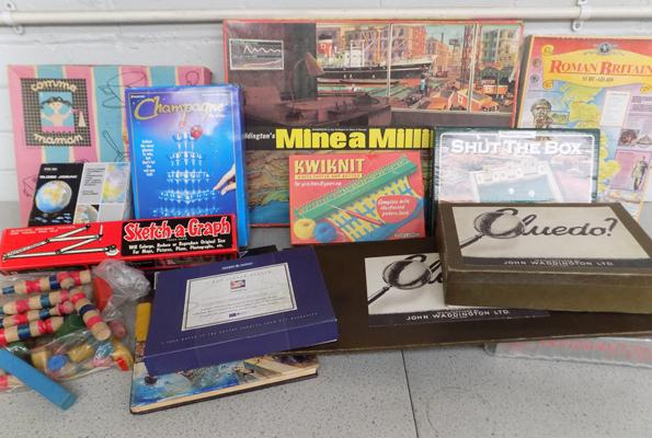 Box of vintage 1960 onwards toys & boxed games