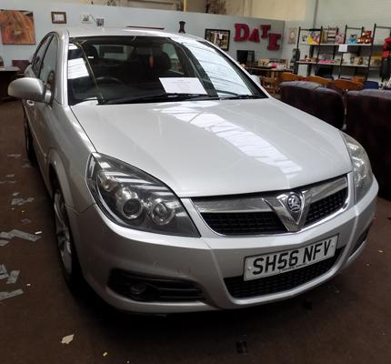 Vauxhall Vectra 1.8 SRi, 2006, 56 Reg, MOT 30/11/19, 8 stamps in service book, built in sat nav, air con, 141000 miles, new tyres all round, replaced cat convertor & rear suspension D bushes Nov 18, w