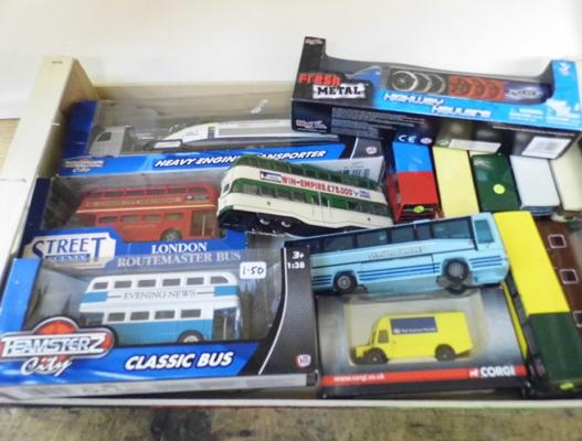 Tray of diecast buses etc...