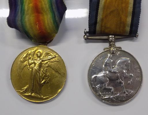 2 x WWI medals, engraved 'H Brayshaw MGC' 26472