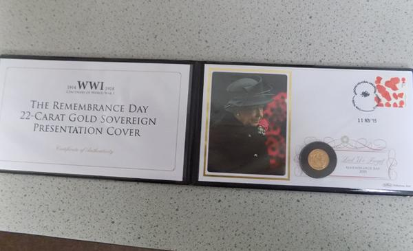 WWI Remembrance Day 22 ct gold sovereign presentation cover, coin dated 1918, limit 299
