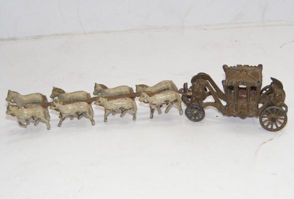 Vintage Moto Lesney Coronation diecast coach + 8 horses (all horses complete) 1950