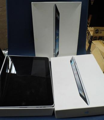 2x Ipads unchecked-sold as seen