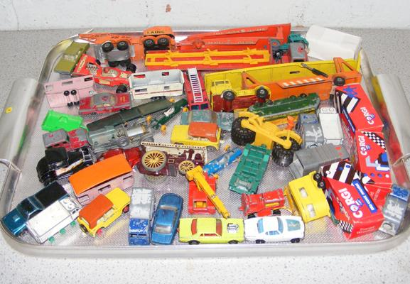Tray of vintage 1960/70 Matchbox diecast (inc tray)